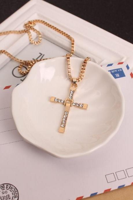 Clavicle chain Toledo same paragraph speed and passion Cross Necklace