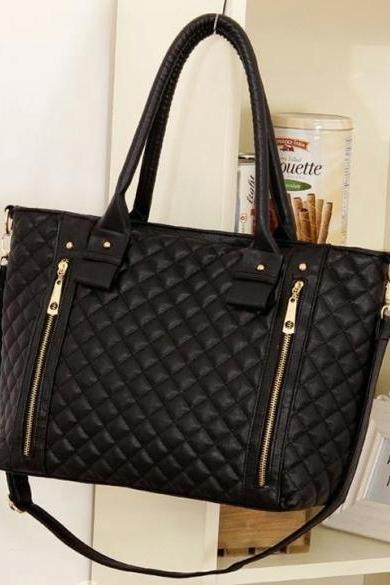 Diamond Quilted Leather Tote Bag Featuring a Detachable Shoulder Strap