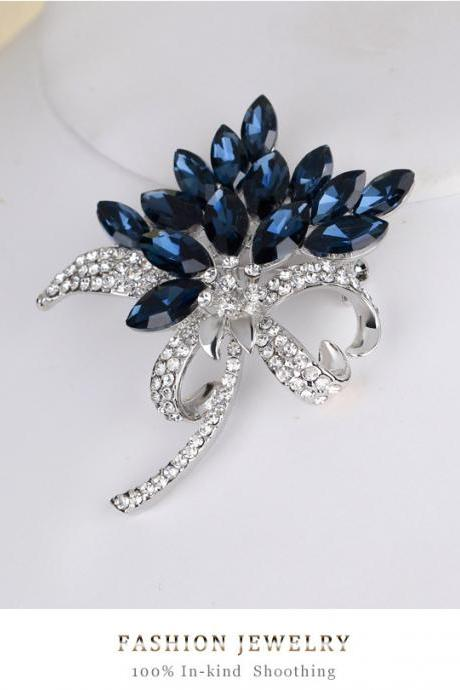 Hot glass diamond brooch bouquet