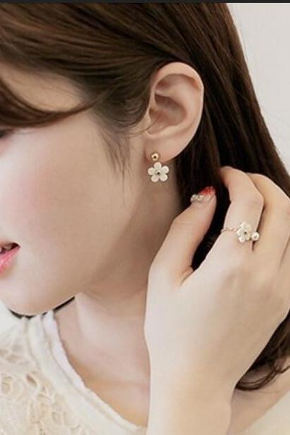 Lovely Daisy Flower Earring