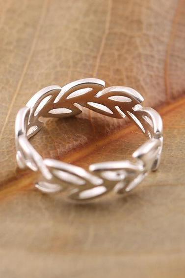 Fashion simple leaves open ring hollow out