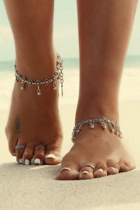 Exaggerated personality hollow out small beads pendant anklets