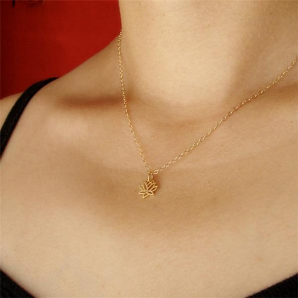 Hot Selling Yoga Lotus Pendant Necklace